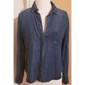 Anthropologie Cloth and Stone Chambray Button Down
